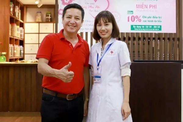 Nghệ sĩ Chí Trung chữa bệnh tại Chân Nguyên