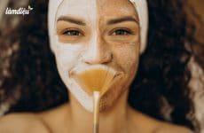 woman visiting cosmetologist making rejuvenation procedures